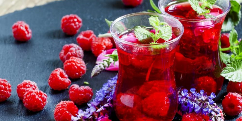 Is There Really a Relationship Between Drinking Red Tea & Losing Weight?